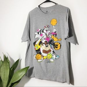 Looney Tunes Graphic Tee Size XL
